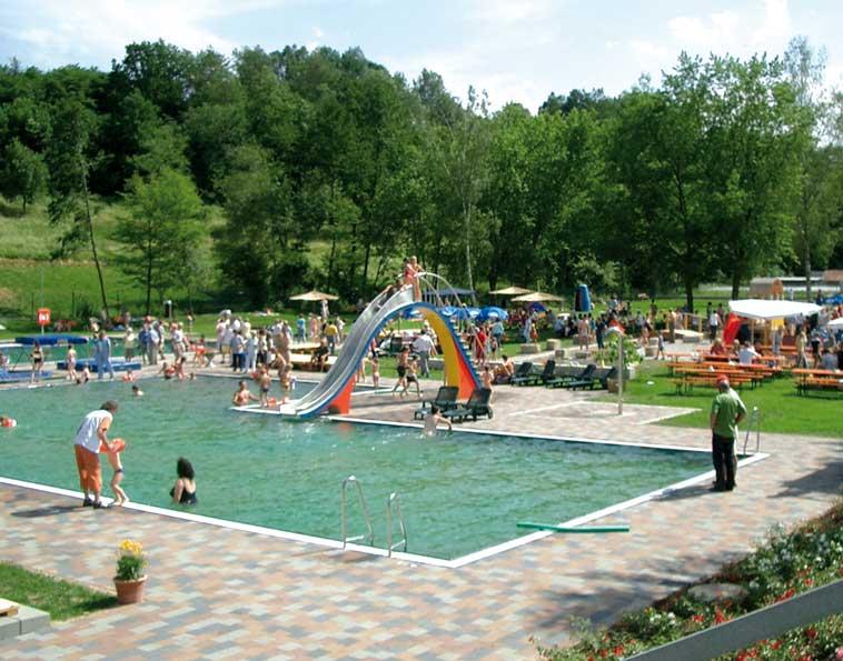 Schwimmbad bei Markt Ebrach in der Nähe der Der Baumwipfelpfad in der Nähe der Steigerwald Apartmens – Ferienwohnungen im Herzen Frankens.